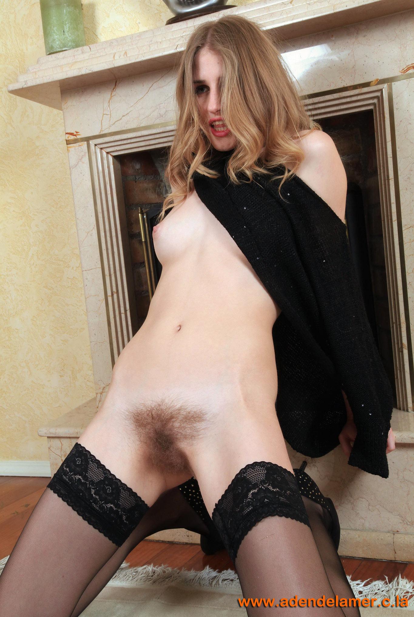 http://jemal.okuh.free.fr/Hairy/319/images/112.jpg